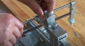 Как на станке отрегулировать угол заточки